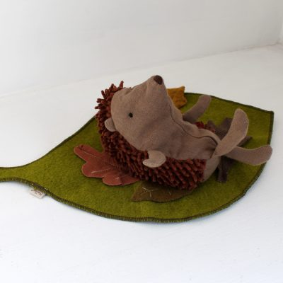maileg-hedgehog-leaf1