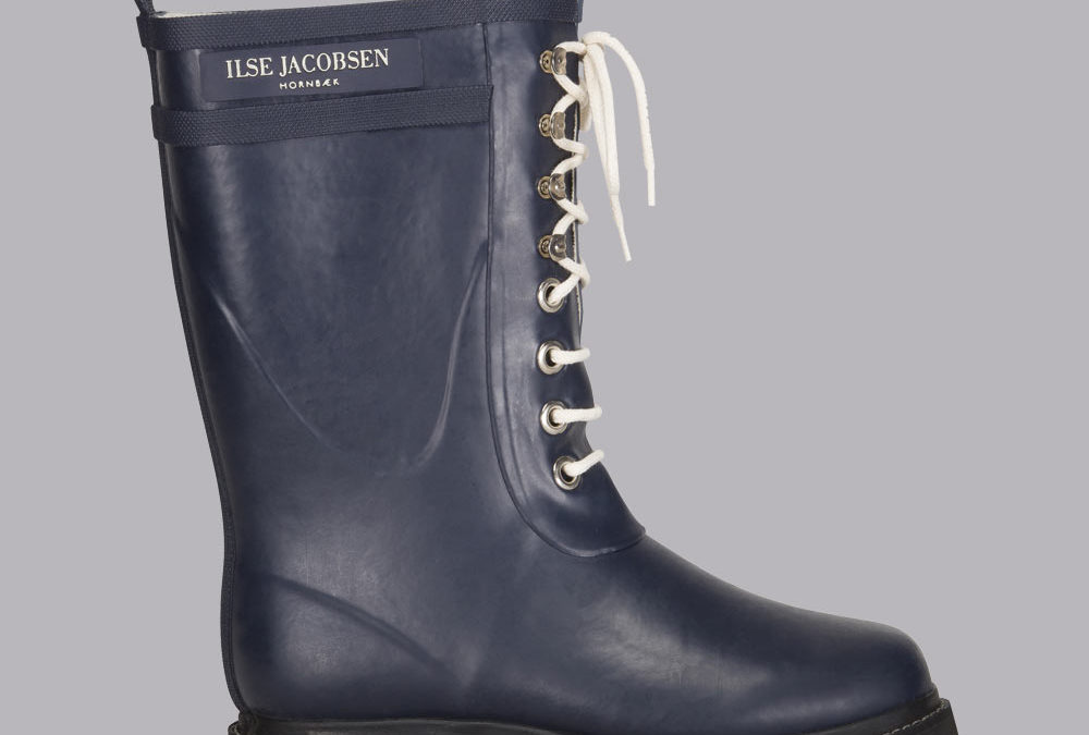 Ilse Jacobsen Classic Lace-Up Rubber Boot in India Ink